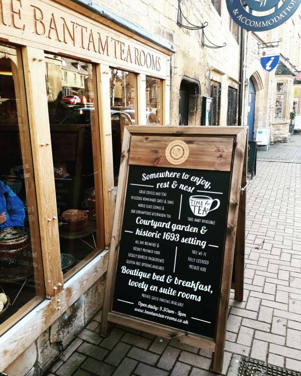 bamtam-tea-rooms-aboard-chalkboard-blackboard-pavement-sign-signwriter-cotswolds-traditional-signpainting-chipping-campden
