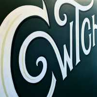 cwtch_mural_cardiff_wales_student_accommocation_lettering_art_wall_type_welsh_handpainted_signwriting_signwriter