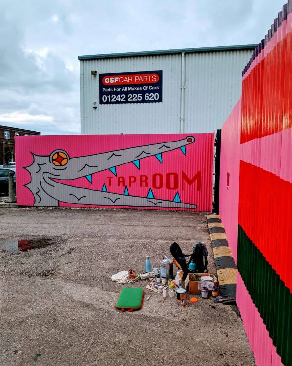 deya-brewery-mural-taproom-gate-fence-illustrative-signwriting-signpainting-cheltenham-thom-hobson-beer