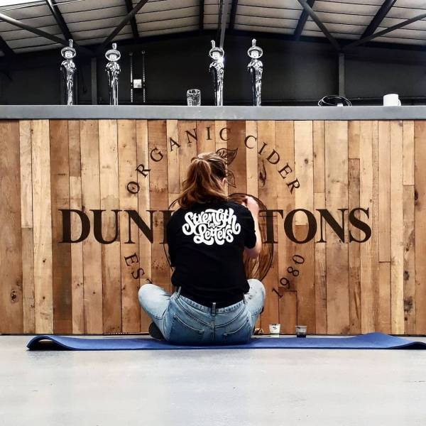 dunkertons-mobile-bar-wip-logo-painted-handpaint-signwriter-cider