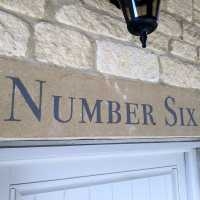 number-six-house-sign-stone-painted-handpainted-signwriting-signwriter
