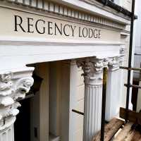 regency_lodge_fascia_housesign_cheltenham_pittville_roman_traditional_signwriting_serif