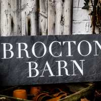 slate_house-sign_brocton-barn_handpainted_signpainting_signwriting_cirencester