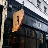 suffolk-rock-restaurant-fascia-handpainted-signwriter-signwriting-suffolks-cheltenham