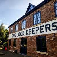the-lock-keepers-gloucester_brick-facade-signwriting-signwriter-lettering-handpainted