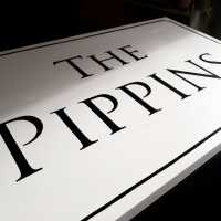 the-pippins-painswick-cotswolds-house-sign-serif-housename-handpainted-wooden-sign-signwriter-signpainting