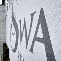 the-swan-stourton-pub-render-sign-handpainted-texture-masonry-signage-signwriting-signwriter