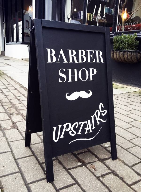 vallender_barbershop_salon_suffolks_chalkboard_signwriting_aboard_lettering_handpainted_signpainting_custom