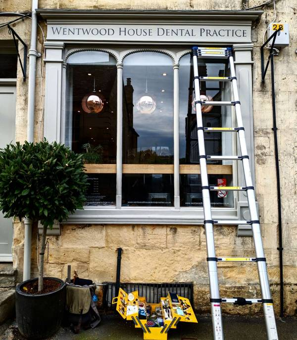 wentwood_dental_practice_winchcombe_cotswolds_fascia_facade_shopfront_trajan_lettering_signwriter_signwriting