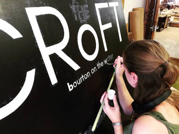 wip_the_croft_signage_bourton-on-the-water_cotswolds_pub_restaurant_logo_handpainted_signwriter_signwriting_signmaker_