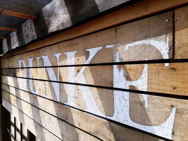 handpainted_logo_lettering_distressed_dunkertons_cheltenham_exterior_cladding_dowdeswell