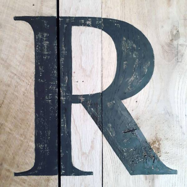 times_new_roman_r_type_lettering_handpainted