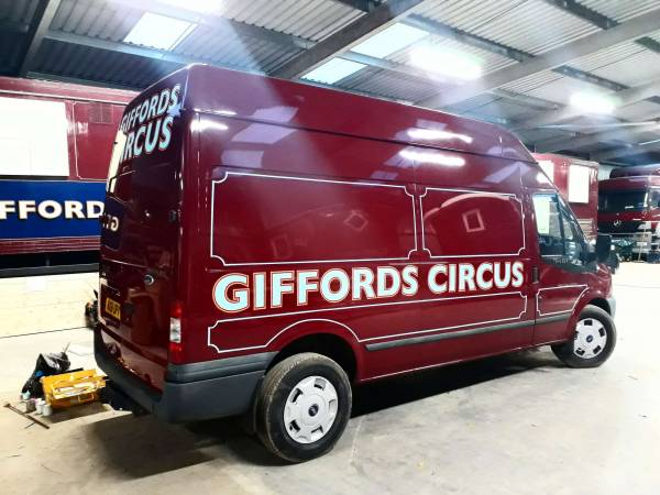 full-side-van-transit-giffords-circus-handpainted-lining-signwriting