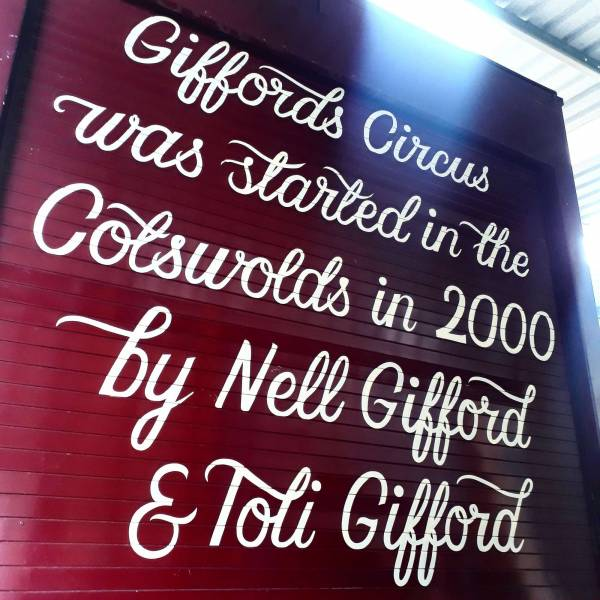 lorry-script-handpainted-giffords-circus-signwriting