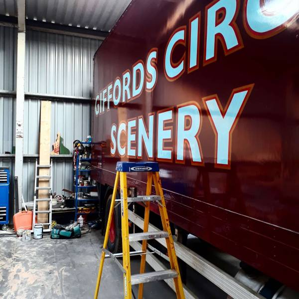 work-in-progress-lorry-handpainted-lettering-giffords